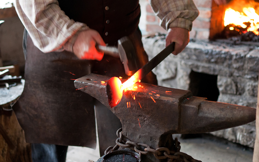 Handmadeinamerica - Blacksmith at Work